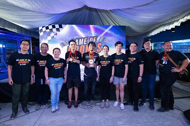 Group hug of the heads of the #gameofdronesph's production team with the race champions. Congrats Game of Drones and Ortigas & Company team!  Thanks again for choosing us as your official photo and video team!  #imagesmithPh #work #groupshot #events